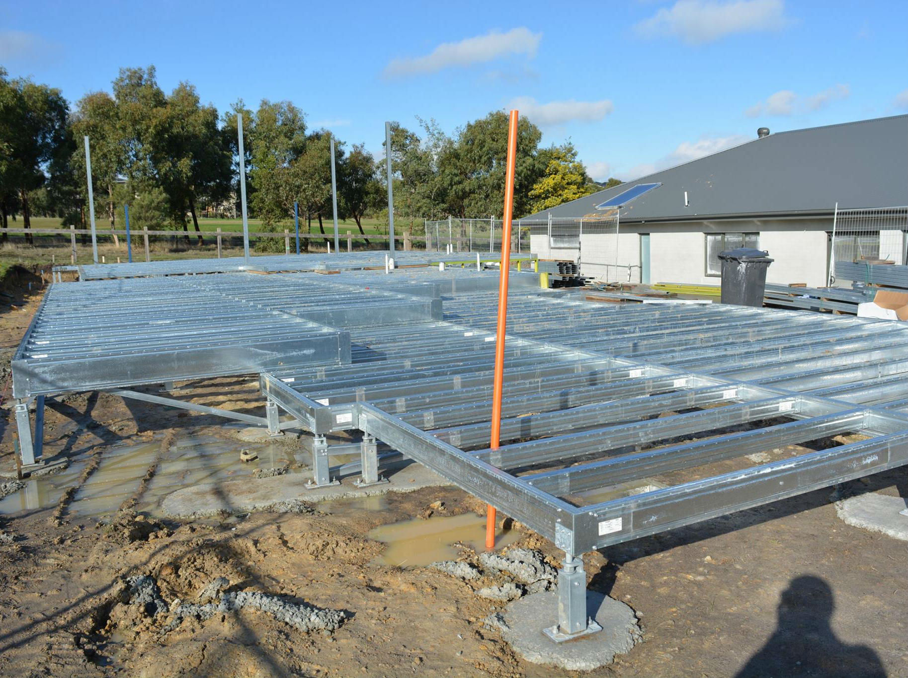 Boxspan steel elevated split-level ground floor frame on Ezipier adjustable stumps