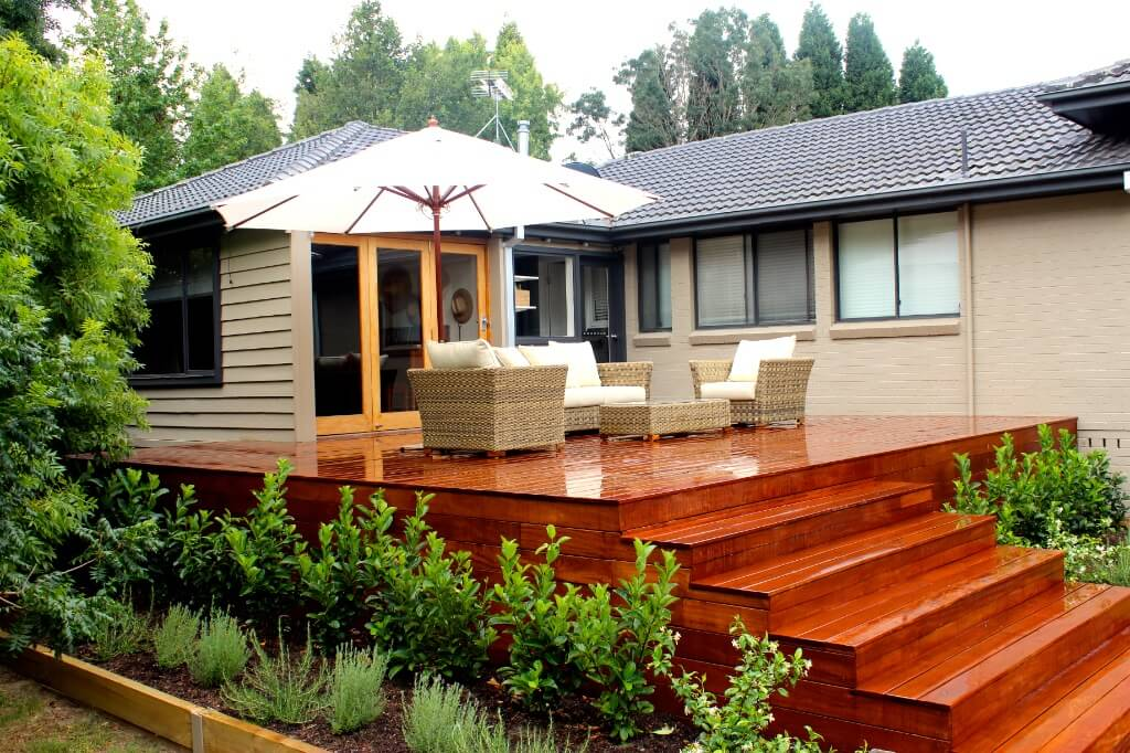 Deck with Boxspan frame and Ezipier