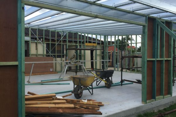 Boxspan steel lintel supporting timber frame