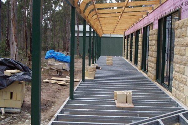 Wrap around verandah with external mitered corners and bullnose verandah over