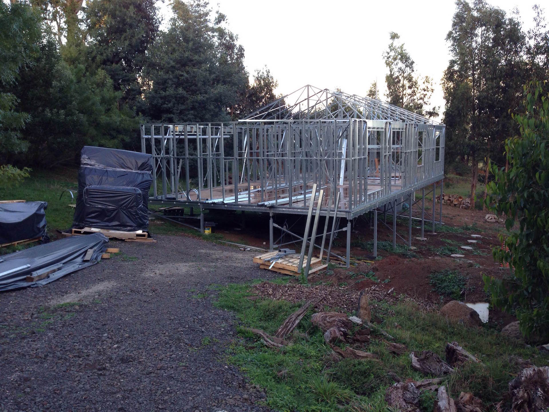Boxspan floor frame on Ezipier for steel frame house