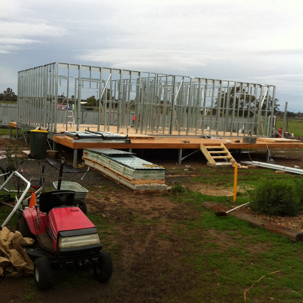 Boxspan floor and deck frame on Ezipier