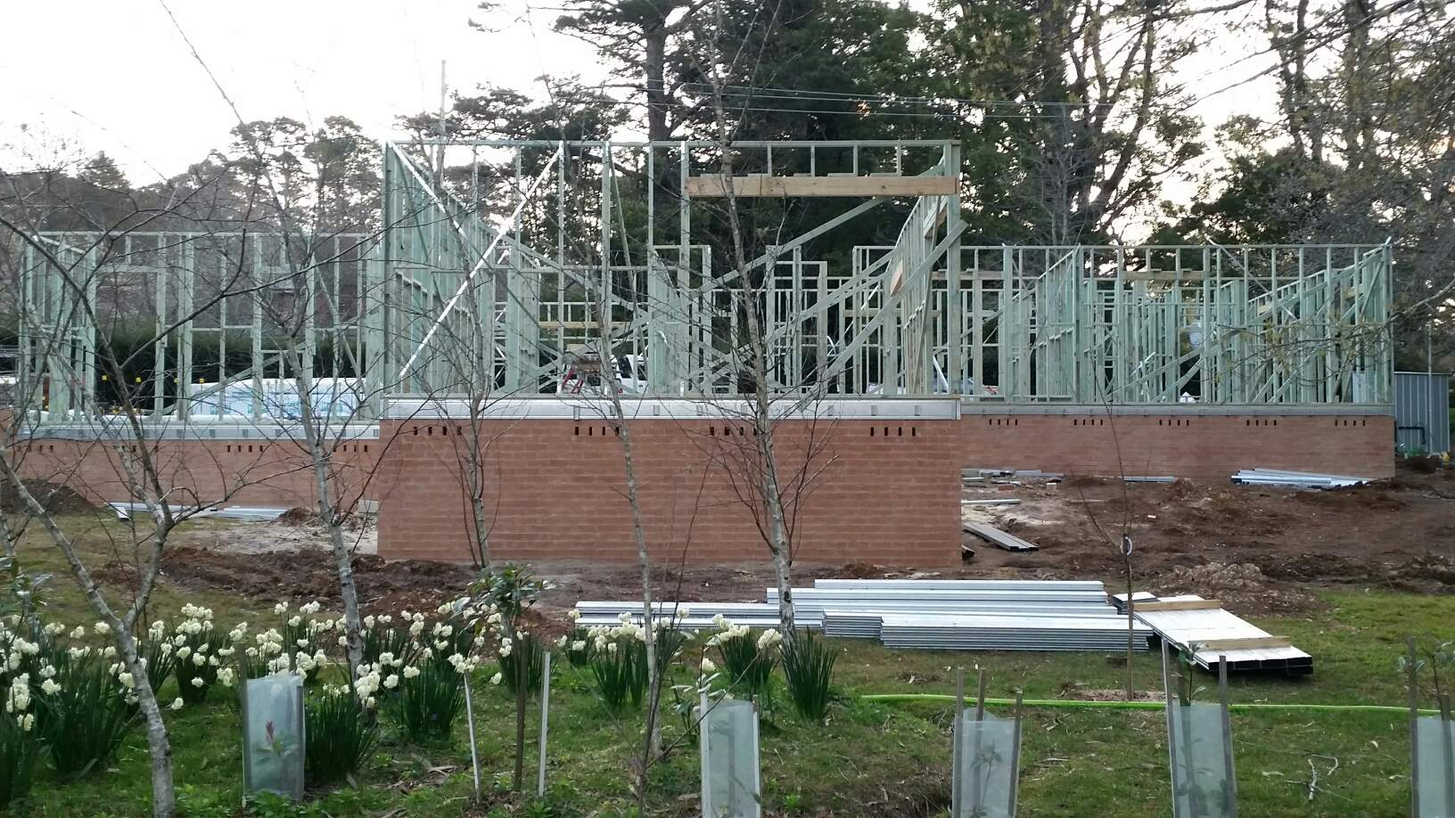 Boxspan steel floor frame with timber wall frames